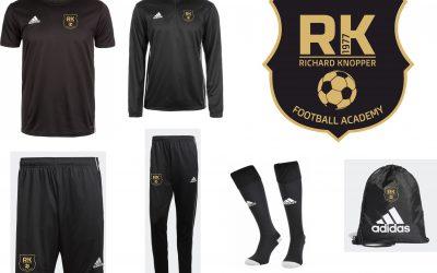 Officiële tenues beschikbaar ism Free Kick